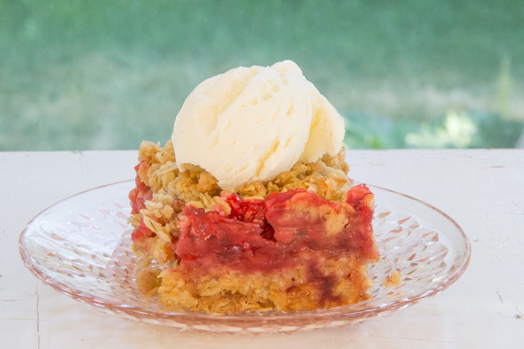Strawberry-Oatmeal-Square