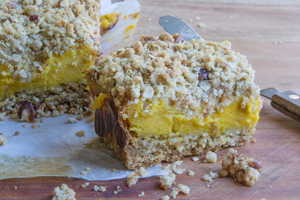 pumpkin-crumb-bars