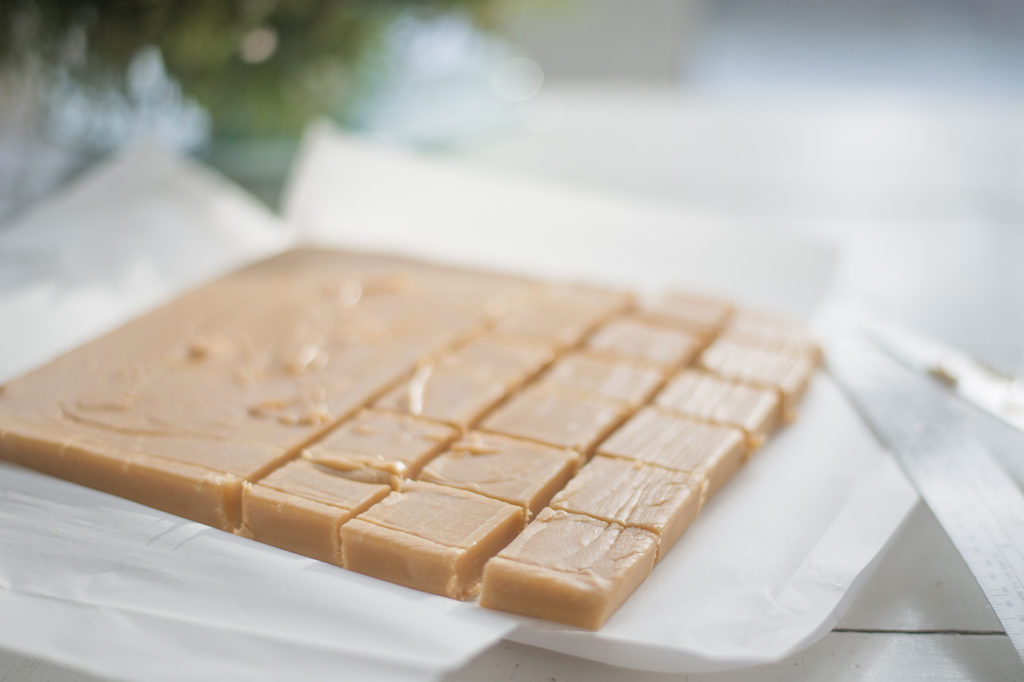 easy-creamy-fudge