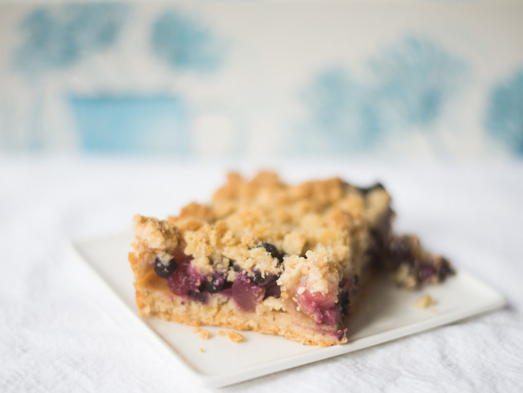 blueberry-zucchini-crumb-bars