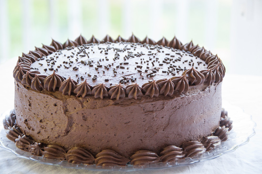 Chocolate Drizzle In The Middle Of The Cake